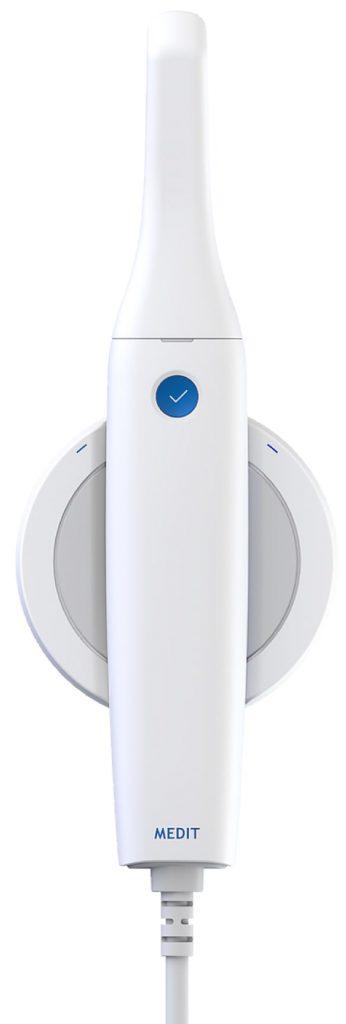 Medit i500 3D intraoral scanner